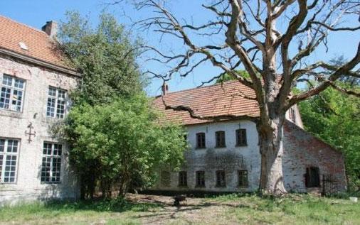 Te koop mysterieus landgoed hobos overspelt belgi for Vervallen woning te koop